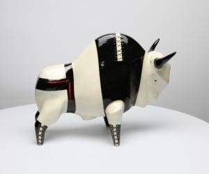 Żubr XL model Fetish, ceramika malowana podszkliwnie, szkliwiona small 1