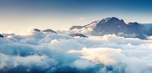 Fototapeta chmury, niebo, biel, lekkość, góry, odcienie niebieskiego, fototapeta do sypialni, relaks