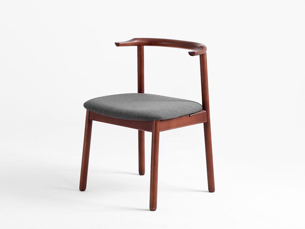 Krzesło retro do biurka KUBRIK, orzech, karbon