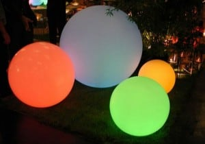 Kula ogrodowa solarna i USB 34cm LED kolorowa, wodoodporna small 11