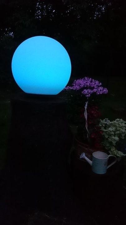 Kula ogrodowa solarna i USB 34cm LED kolorowa, wodoodporna