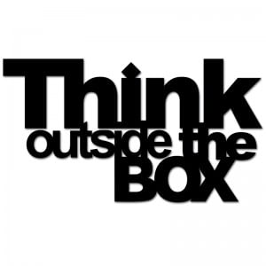 Napis na ścianę THINK OUTSIDE THE BOX czarny