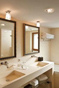 Lampa biurkowa Fabbian Vicky D69 5W + abażur - Biały - D69 B03 01 small 1