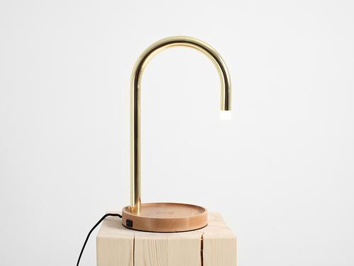 Lampa stołowa PIPER LED charge - mosiądz