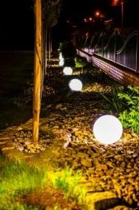 Kule ogrodowe Dekoracyjne - Luna Balls 30, 40, 50cm + Żarówki RGBW z Pilotem  small 7